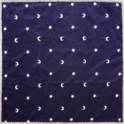 Pano de Lançamento de Tarot - Lua e Estrelas